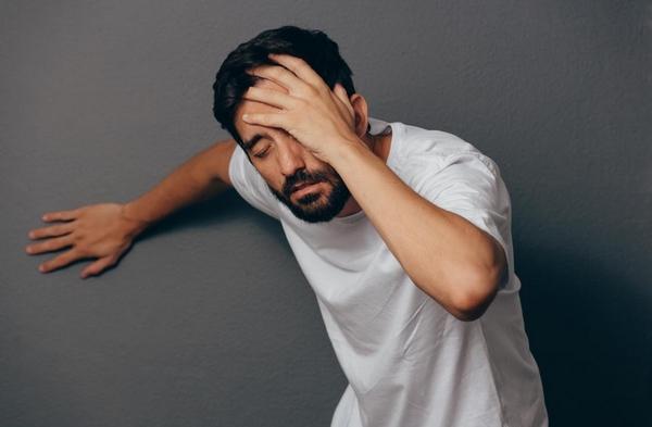 Cơ thể mệt mỏi lâu ngày dẫn đến suy nhược gây tác hại nghiêm trọng